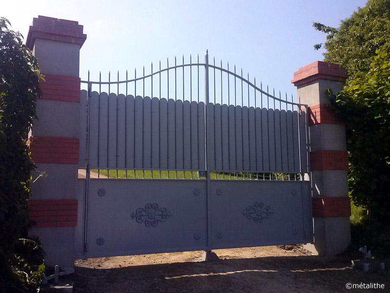 portail d'enceinte fer forgé