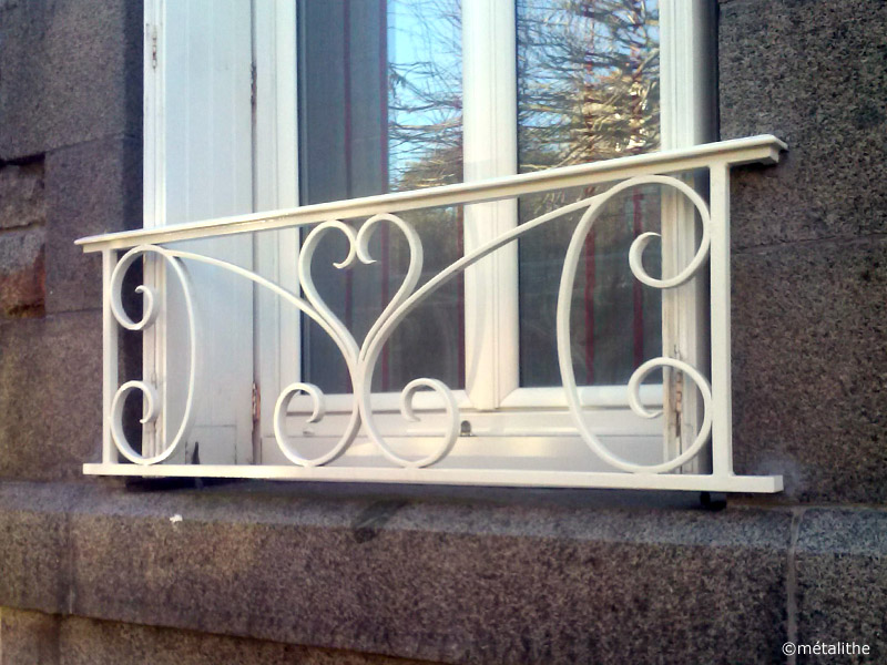 garde coprs traditionnel pour fenêtre