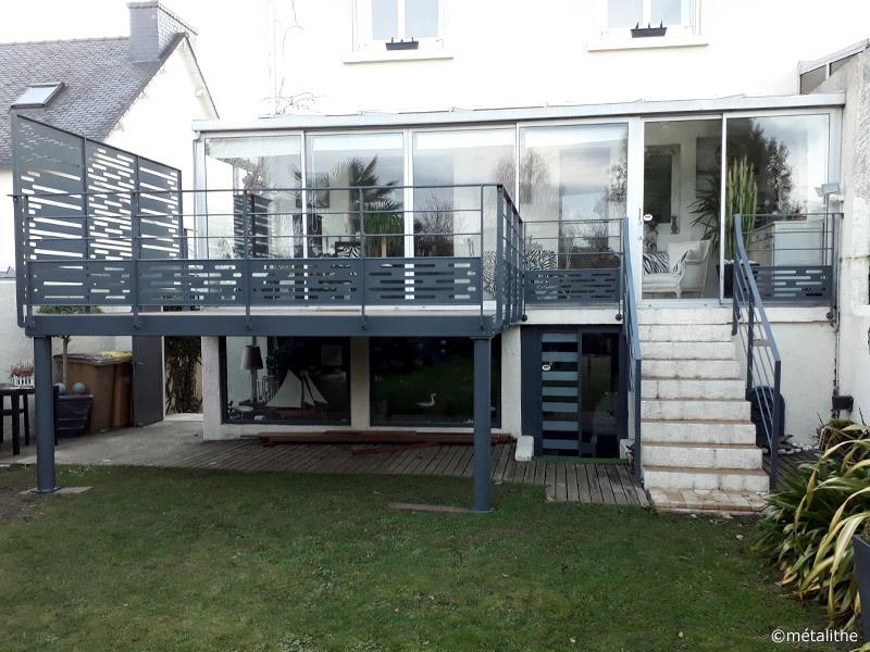 terrasse surrélevée contemporaine